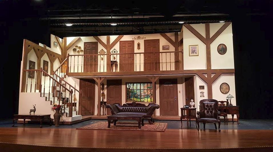 Noises Off Set Fall 2017